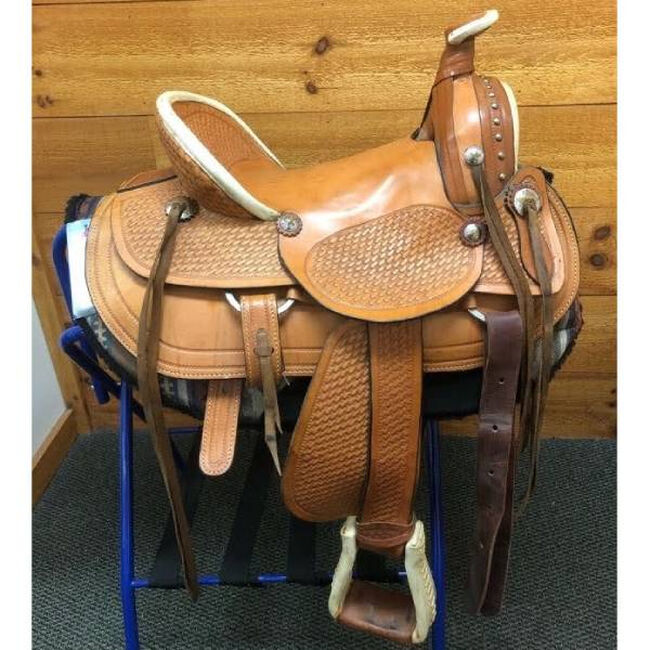 Used Doc Dasher Western Ranch Saddle image number null