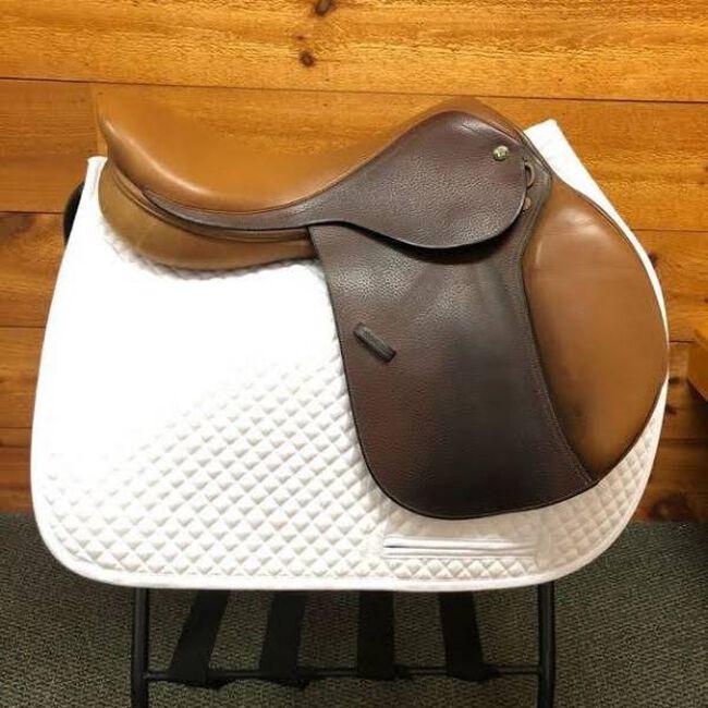 Beval LTD Jump Saddle image number null