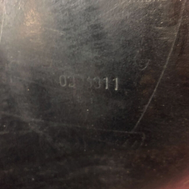 Used Hennig Classic Dressage Saddle image number null