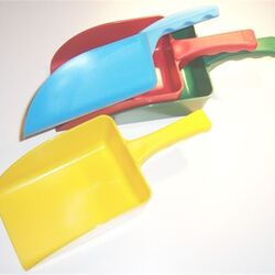 Hill Small Plastic Feed Scoop